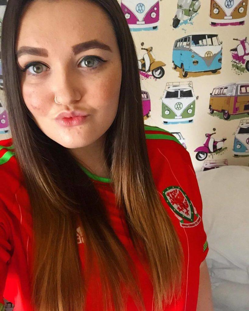 Lucy, Swansea fan