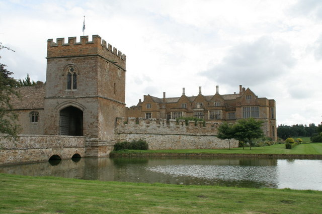 The Gatehouse to Broughton Castle