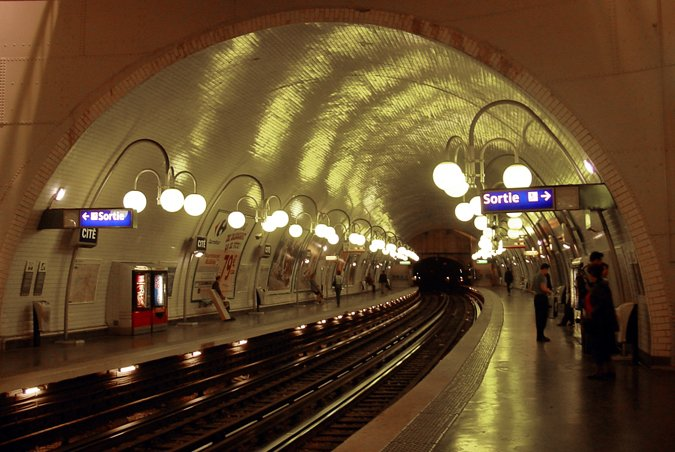 paris-metro-cite