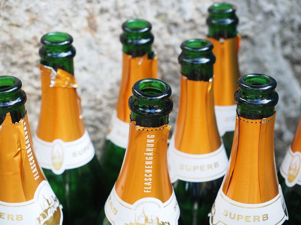 champagne-bottles-693591_960_720