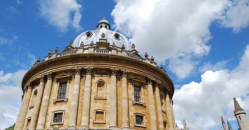 Oxford accused of 'social apartheid' by Labour MP