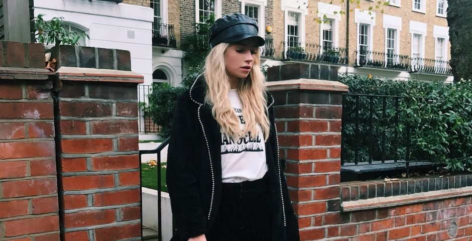 The Baker Hat girl is the casual-glam friend everyone aspires to be 169896416608
