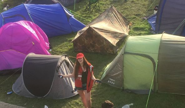 how to survive at a festival