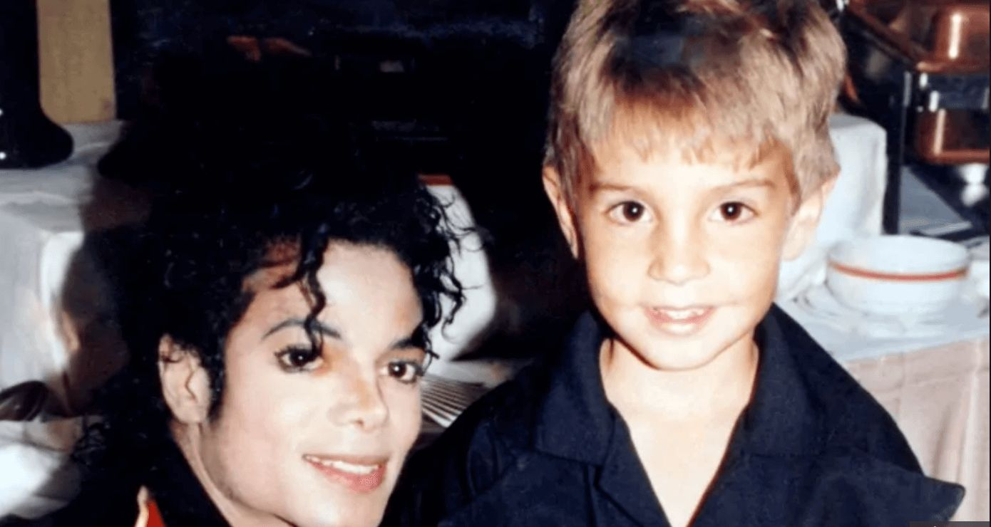 Image may contain: Leaving Neverland, Michael Jackson, Wade Robson, Hair, Boy, Smile, Human, Person, Face