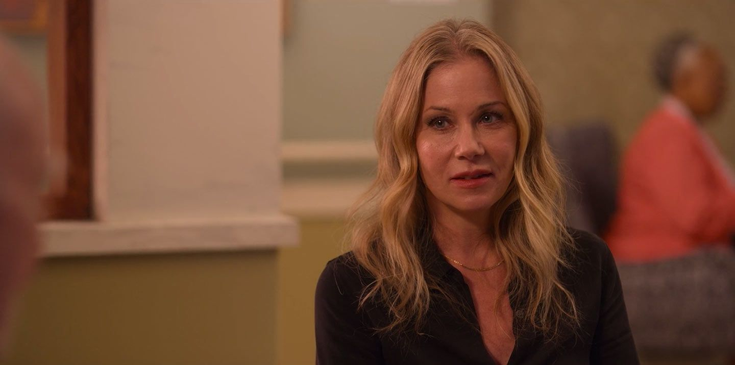 Image may contain: Dead To Me cast, Christina Applegate, Jen, Dead To Me, Netflix, Portrait, Photography, Photo, Kid, Teen, Blonde, Girl, Child, Woman, Female, Face, Person, Human
