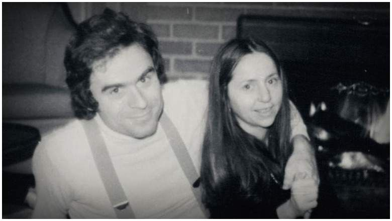 Image may contain: Ted Bundy film, Ted Bundy, Elizabeth Kloepfer, Elizabeth Kendall, girlfriend, memoir, missed out, real life, Extremely Wicked, Extremely Wicked Shockingly Evil and Vile, Netflix, Now TV, Sky Cinema, UK, US, Smile, Belt, Accessory, Accessories, Brick, Person, Human, Face