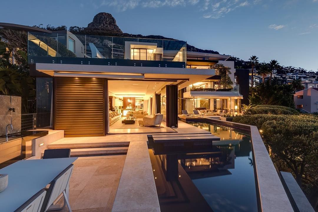 Image may contain: Moondance Villa, Made in Chelsea, South Africa, Cape Town, villa, cast, cost, book, price, location, Water, Mansion, House, Villa, Building, Housing