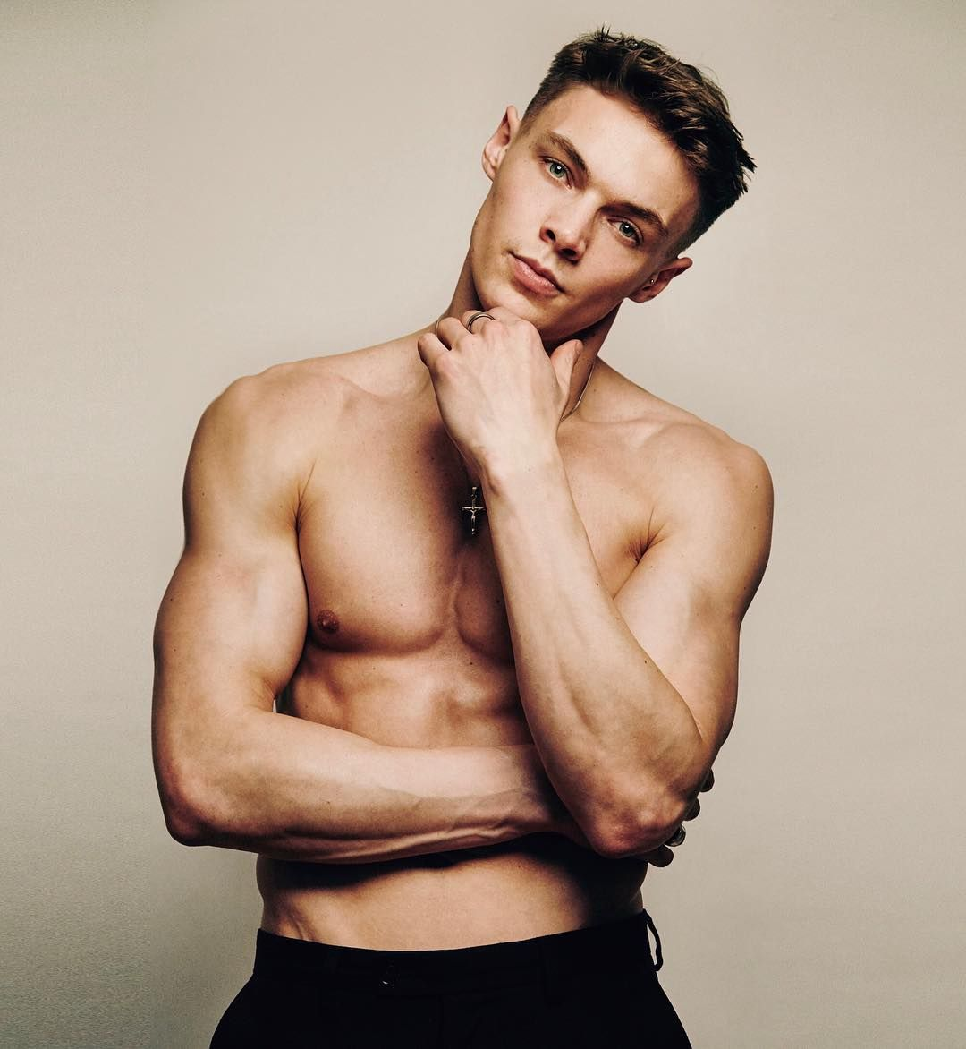 Image may contain: Casa Amor, Love Island, Ben Whatson, model, Islander, cast, contestant, rumours, start, date,  Arm, Man, Person, Human