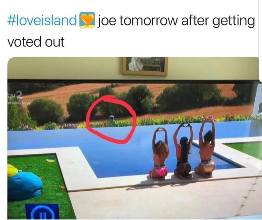 Image may contain: Love Island week two memes, Love Island, memes, reactions, tweet, funny, savage, meme, Joe, Lucie, Golf, Water, Sports, Sport, Human, Person