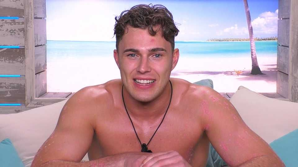 Image may contain: Love Island star signs, Love Island, Curtis, Aquarius, Photography, Selfie, Portrait, Photo, Jewelry, Accessories, Accessory, Necklace, Man, Human, Face, Person
