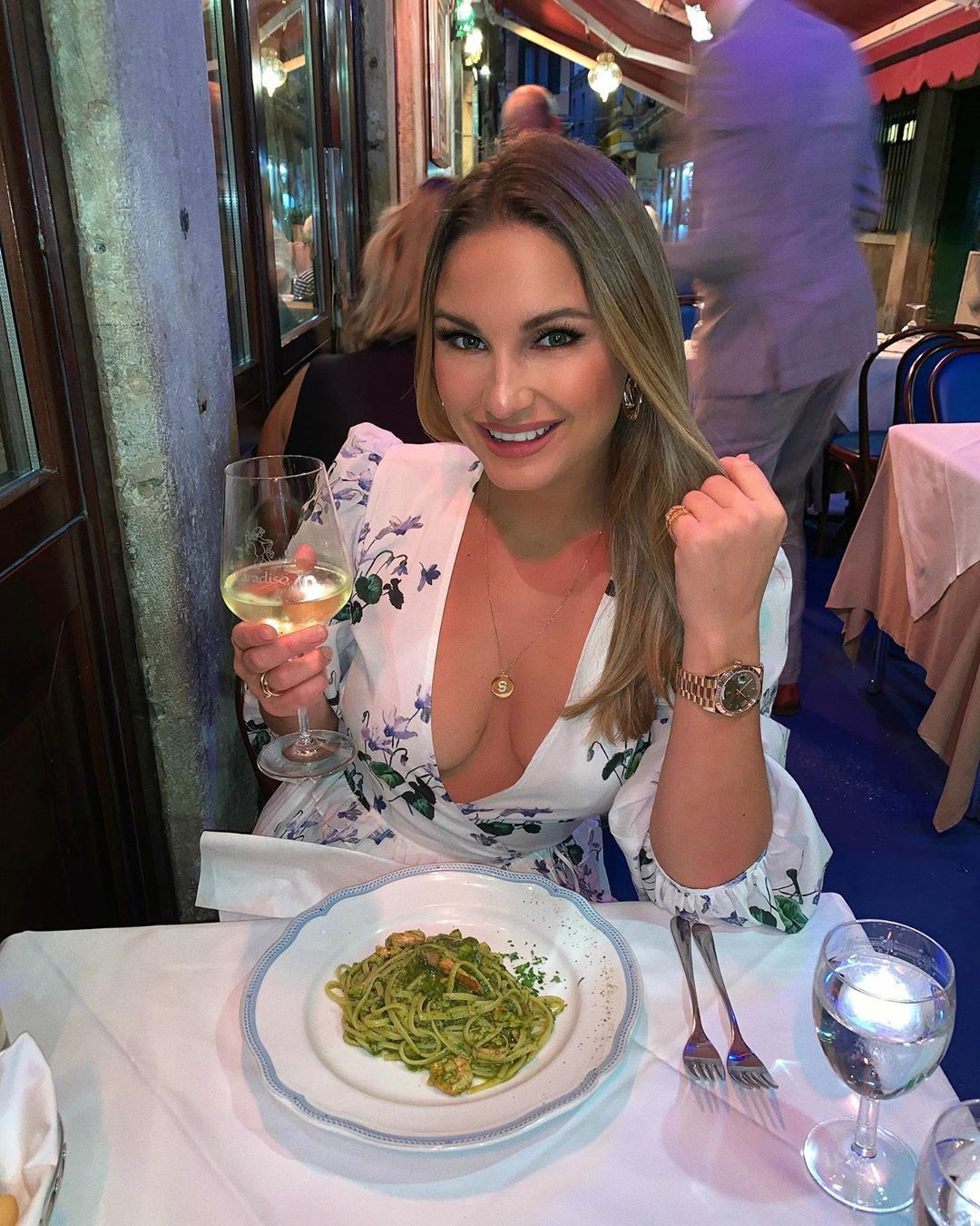 Image may contain: reality TV rich list, UK, reality TV, net worth, earnings, money, salary, rich, worth, Samantha Faiers, Sam, TOWIE, Dish, Plant, Food Court, Meal, Home Decor, Glass, Food, Restaurant, Human, Person