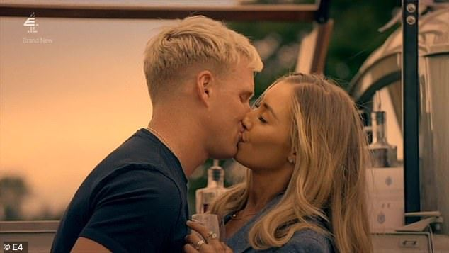 Image may contain: made in chelsea cheating, made in chelsea, Kissing, Kiss, Make Out, Human, Person