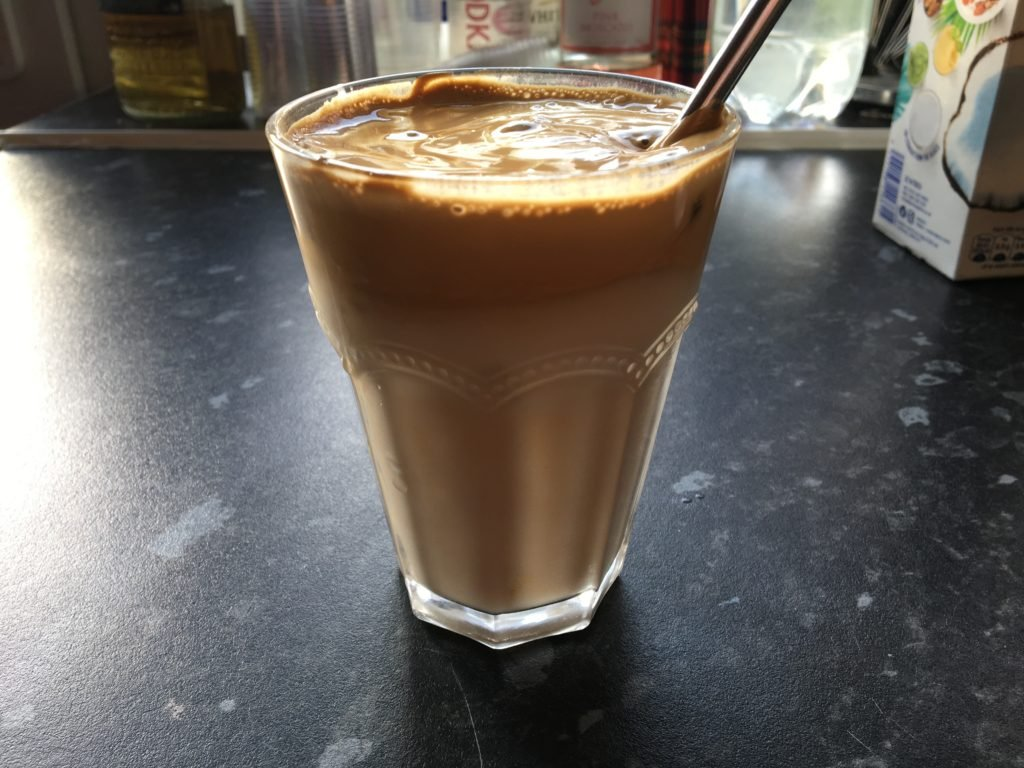 How to make dalgona coffee, recipe for the TikTok coffee, guide to making thick iced coffee