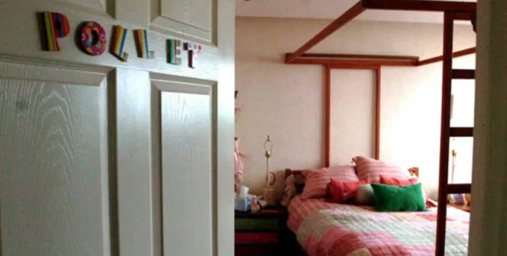 Paulette Gebara Farah, true, story, real, life, events, Netflix, The Search, bedroom, bed, scene, found