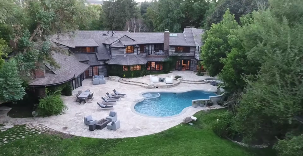 house, youtuber houses, logan paul, swimming pool