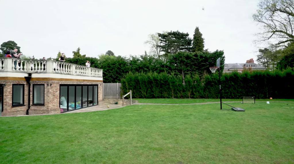 sidemen house, youtuber houses