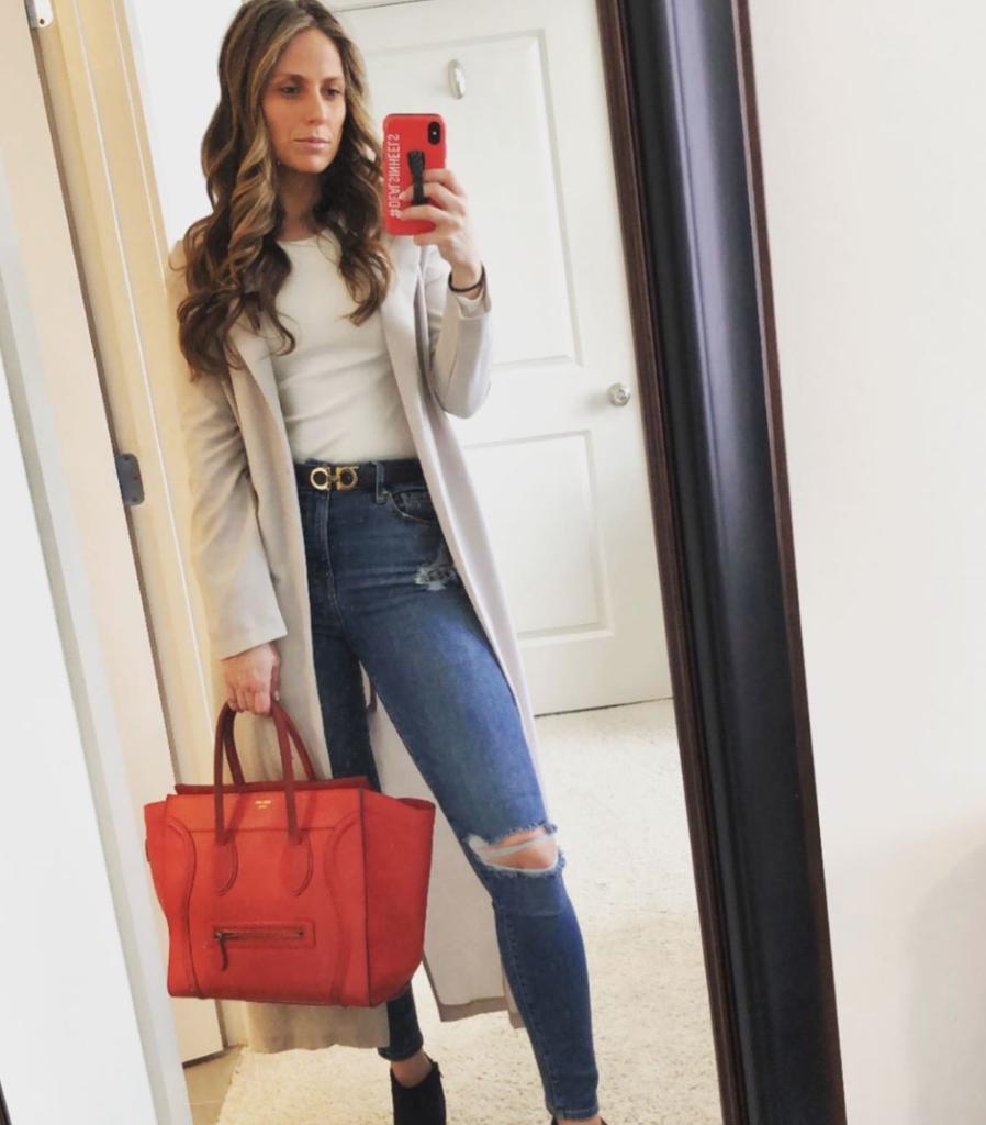 Peggy Zabakolas, Instagram