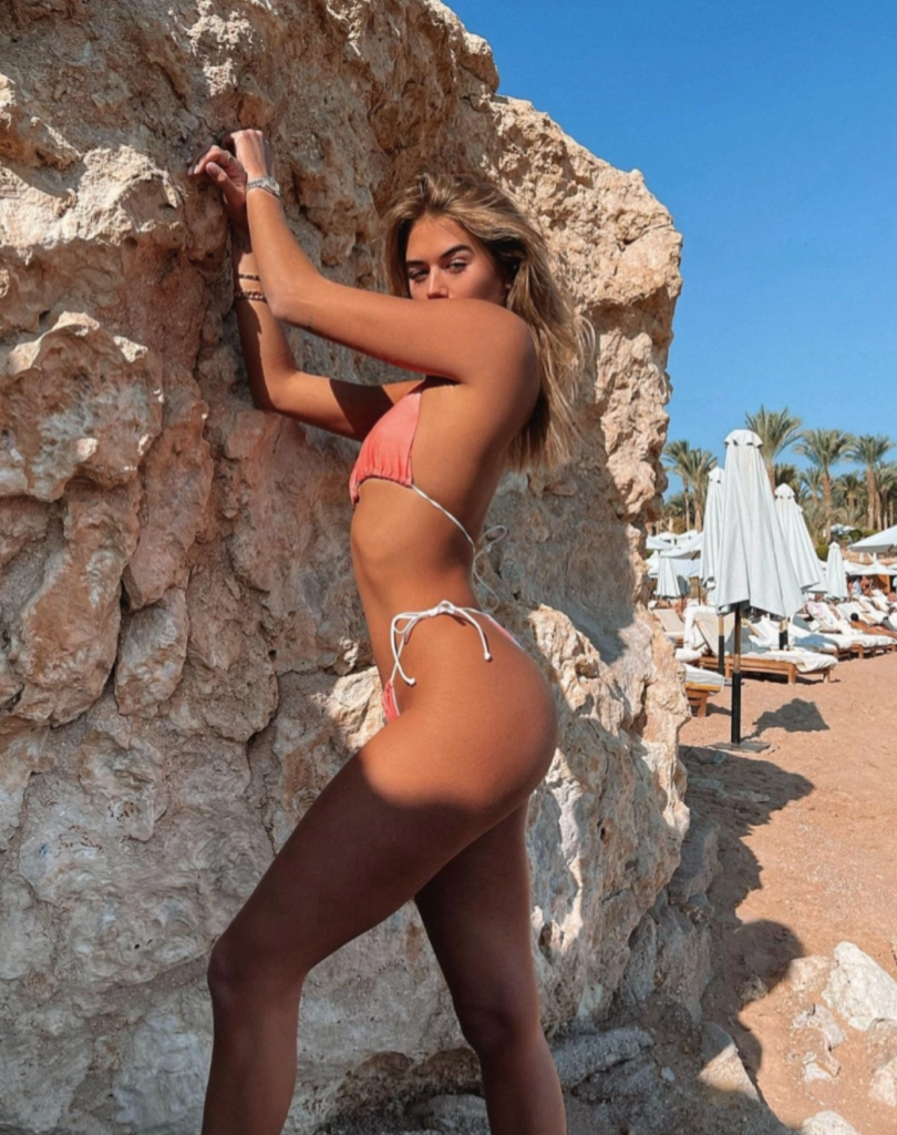 A guide to the best hot girl summer Instagram poses you need this year, beach, bikini, pose, Insta