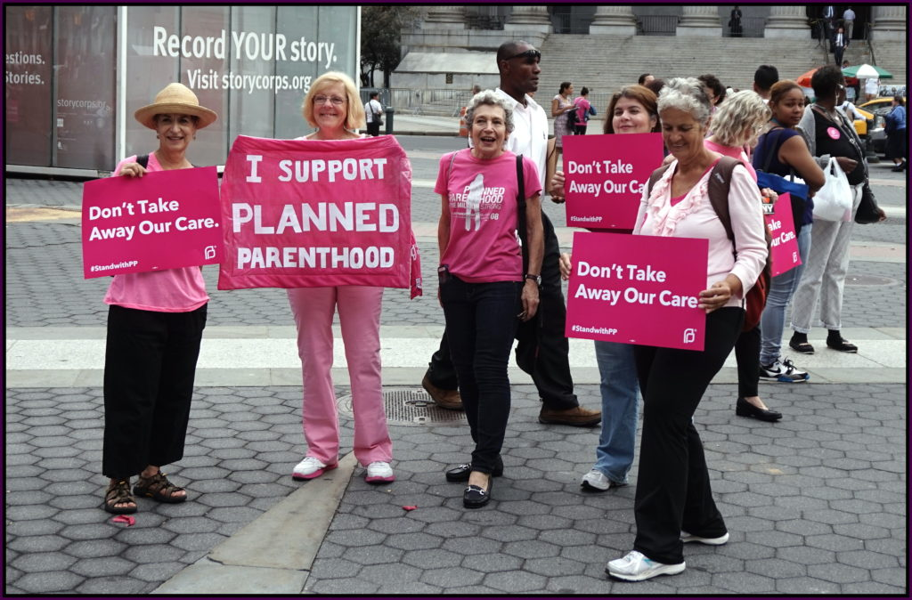 Pink_out_for_Planned_Parenthood_(21638969968)