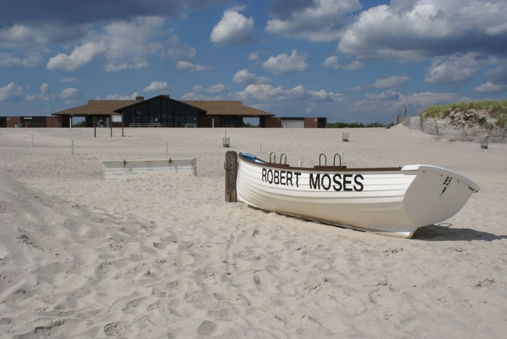 Robert_Moses_Field_4_Deserted_Beach
