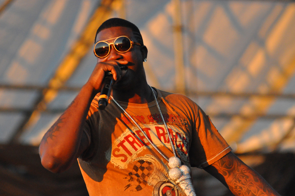 Gucci_Mane_performing_at_the_Williamsburg_Waterfront_2