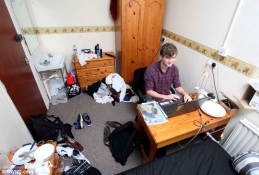 bloke in his room