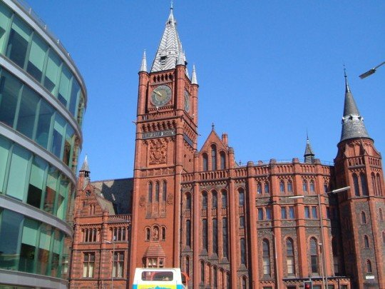 Victoria_Building,_University_of_Liverpool_-_geograph.org.uk_-_209212