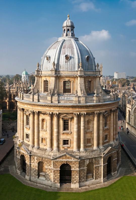 Radcliffe_Camera,_Oxford_-_Oct_2006