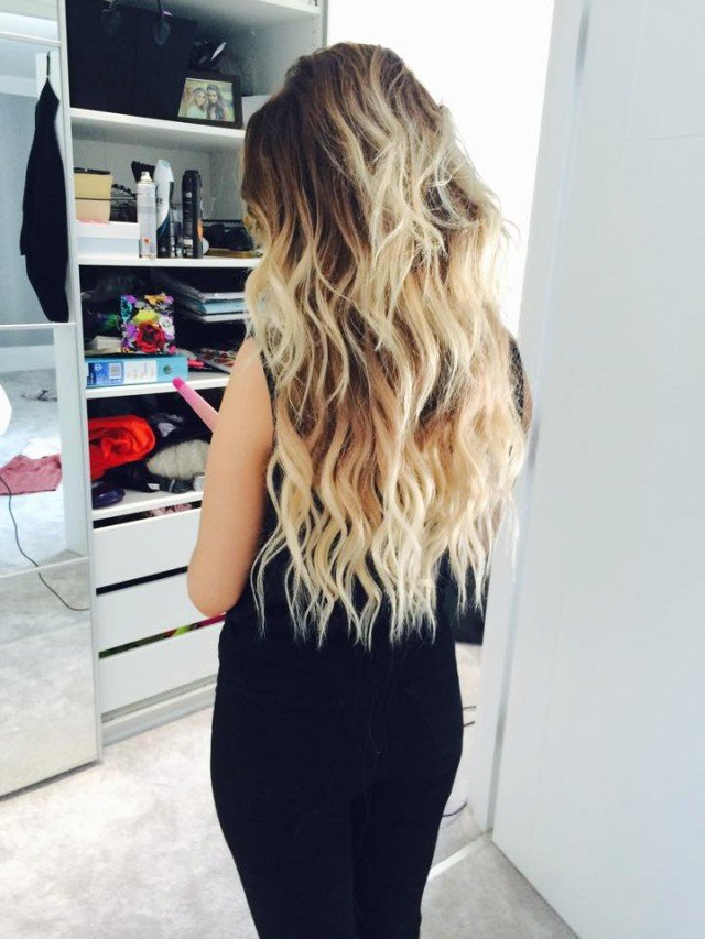 Perfect messy beach waves. Optionally add small braids or twists to complete the look.