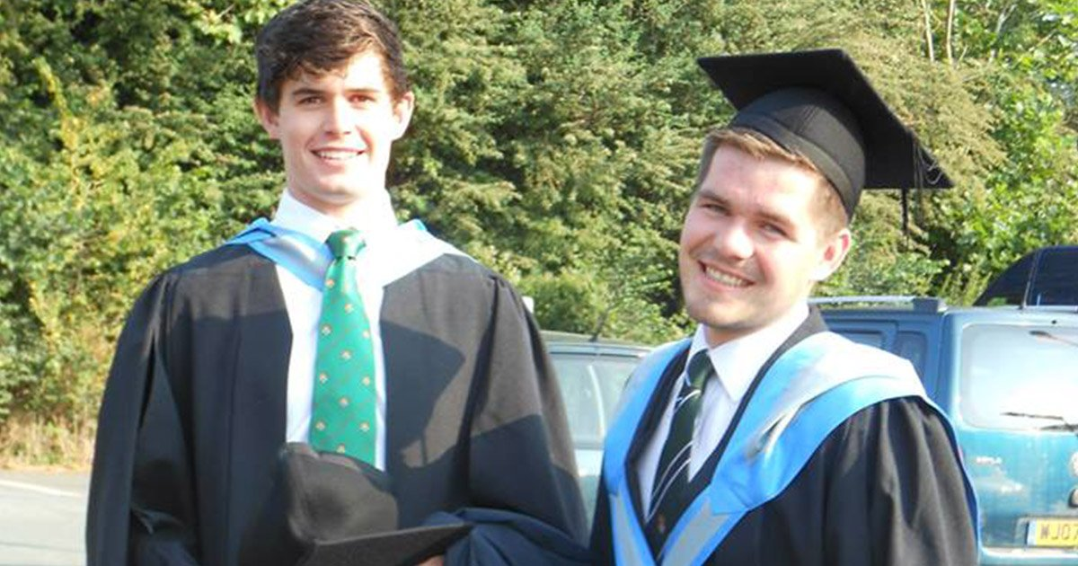 A man\'s guide to looking dapper at graduation