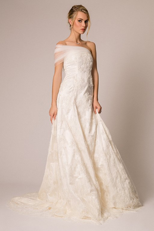 What its like to be a 22yearold wedding dress designer