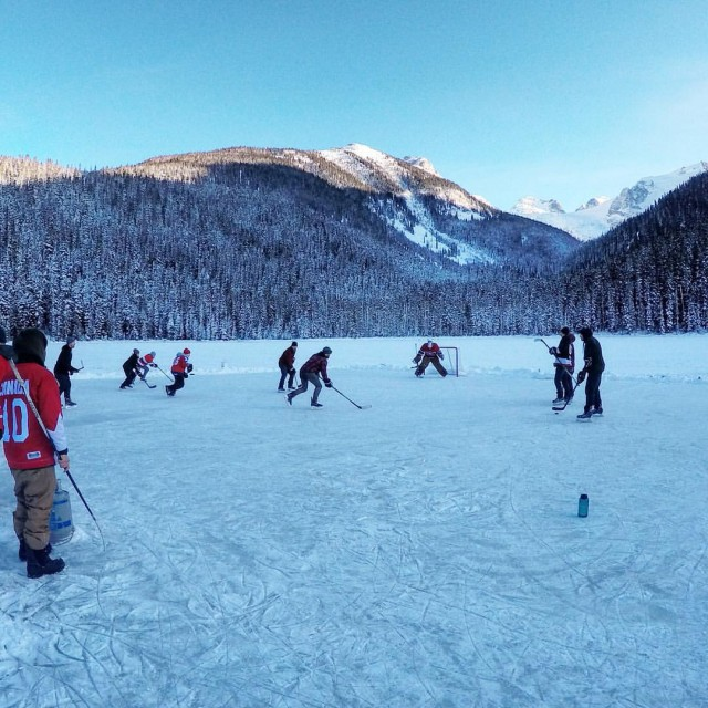 Does it get more Canadian than hockey out on the frozen lakes?