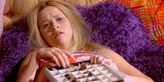 Elle Evans eating her feelings